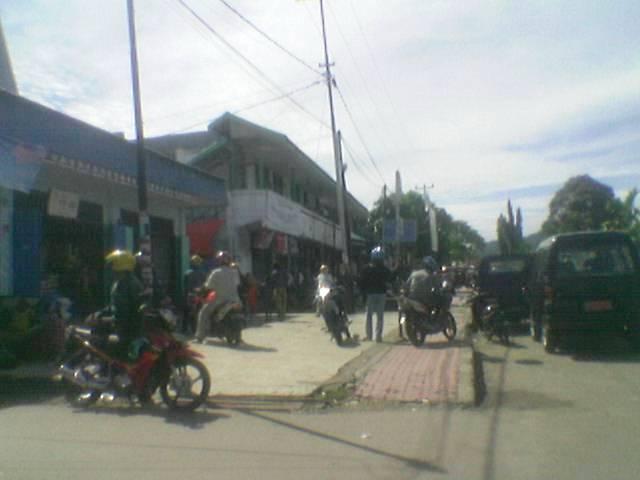 Tempat alternatif pangkalan ojek di pasar Oyehe Nabire